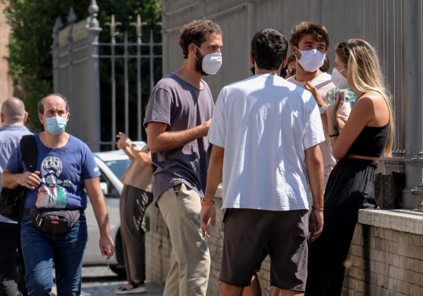 NOVIH 845 SLUČAJEVA U Italiji najviše infekcija od maja, NAJKRITIČNIJI SJEVER
