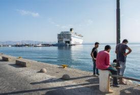 """""""NEOPRAVDANO SVAKO OPUŠTANJE"""" U Grčkoj u protekla 24 časa registrovano 124 slučaja korona virusa"""