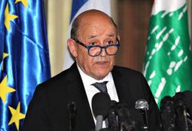 DRŽAVNI VRH PODNIO OSTAVKU Francuska traži hitno formiranje vlasti u Libanu
