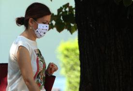 NA SNAGU STUPILE NOVE MJERE U SRPSKOJ Od danas obavezno nošenje zaštitne maske na otvorenom