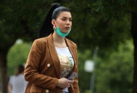 SUZBIJANJE ZARAZE U Francuskoj će biti OBAVEZNO nošenje zaštitnih maski NA RADNOM MJESTU
