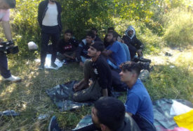 HAPŠENJE U SLOVENIJI Uhvaćeno nekoliko VELIKIH GRUPA migranata