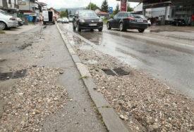 BANJALUKA POSLIJE NEVREMENA Ulice poplavljene, vodu zamijenio šljunak (FOTO, VIDEO)