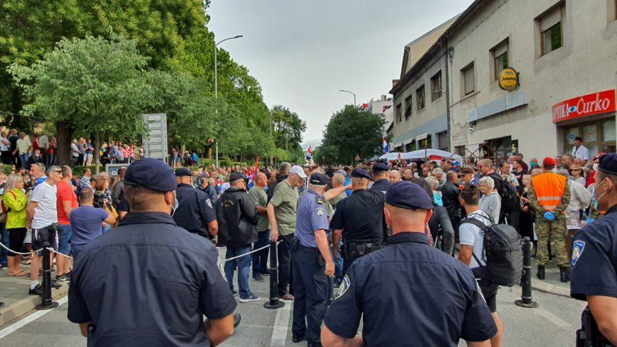 """PORUKE SA OBILJEŽAVANJA """"OLUJE"""" U KNINU Škoro: Nema razloga za pomirenje Hrvata i Srba"""