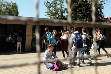 NIKAD NEOBIČNIJI POLAZAK U ŠKOLU Đaci u školi dva sata, i odmore će provoditi u učionici