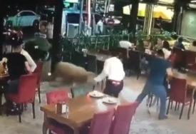 OVAN NAPRAVIO HAOS Kurban pobjegao od vlasnika i ušao u restoran (VIDEO)
