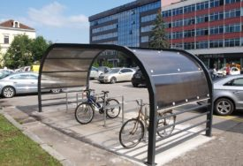 U CENTRU GRADA U funkciji novi parking za bicikle (FOTO)