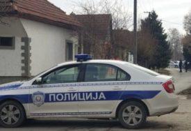 Razbojnik dolijao policiji: Na ulici pokušao da otme ženi torbu