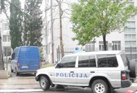 Uhapšen drugi osumnjičeni za ORUŽANU PLJAČKU u Nikšiću: Na području Trebinja traga se za još jednim napadačem
