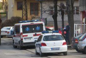 """""""Zakačio"""" je retrovizorom: Policajac automobilom udario djevojčicu (12), odmah je prevezena u bolnicu"""