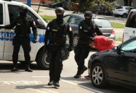 """PRODAVALI DROGU U BANJALUCI Uhapšeni u akciji """"Skradin"""" predati Tužilaštvu (FOTO)"""