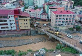 NESTALO VIŠE LJUDI Izvučeno tijelo sedme žrtve poplava u Turskoj
