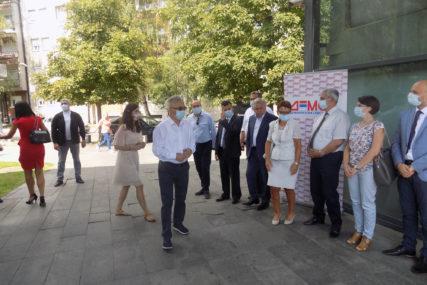DEMOS PREDSTAVIO SLOGAN Čubrilović očekuje dobar rezultat na PRVIM IZBORIMA za stranku