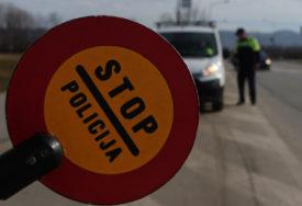 ODUZETO TERETNO VOZILO Upravljao bez vozačke, za kazne duguje više od 3.300 KM