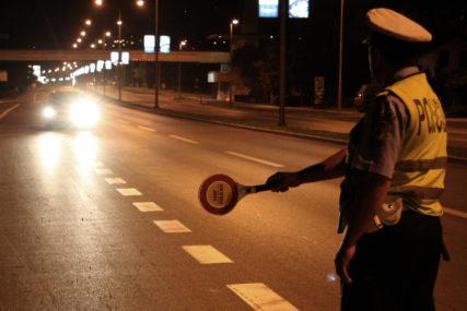 AKCIJA BANJALUČKE POLICIJE Oduzeta tri automobila i radna mašina, vozači duguju 31.000 KM