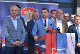 ZAVRŠIO MEDICINU S PROSJEKOM 9,37 Predstavljen kandidat SDS i PDP za gradonačelnika Bijeljine