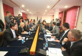 SRPSKAINFO SAZNAJE Sve izvjesniji prekid saradnje PDP i SDS u Sarajevsko-romanijskoj regiji
