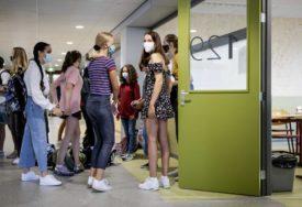 PREMINULO 177.000 LJUDI Sve više studenata u SAD zaraženih koronom