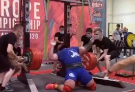 DIZAČU TEGOVA PUKLA OBA KOLJENA Rus pokušao da podigne 400 kilograma, a onda se čulo strahovito KIDANJE (VIDEO)
