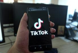 Novi opasan izazov sa TikToka: Dječak (12) sam sebe ugušio