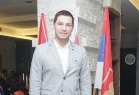 """""""KOLIKO ĆE NAS OSTATI U SRPSKOJ"""" Predsjednik Mladih SDS tvrdi da Vlada nema odgovor na to pitanje"""