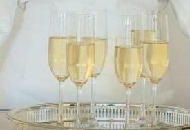 MANJE SE PIJE Zbog pandemije nije prodato 100 miliona boca šampanjca