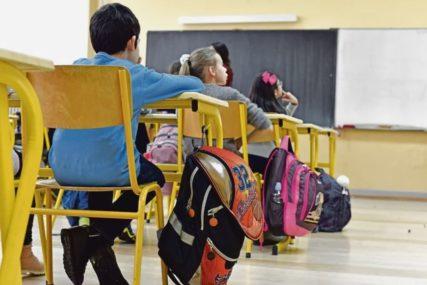10.500 KM ZA NEPOŠTOVANJE MJERA U FBiH kažnjene tri škole zbog kršenja propisa protiv korone