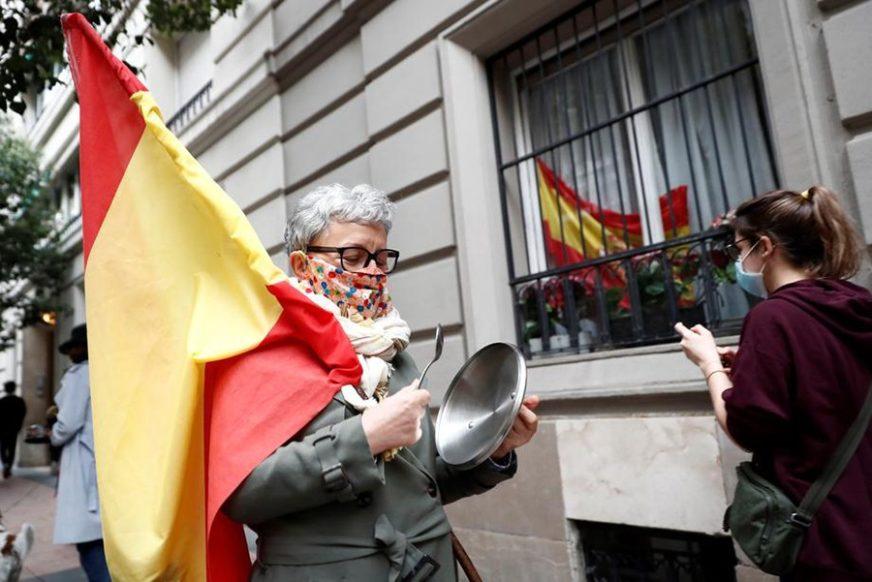 REGIONI U ŠPANIJI TRAŽE POLICIJSKI ČAS Ukupan broj zaraženih porastao na 1.046.132, skoro 38.000 umrlih