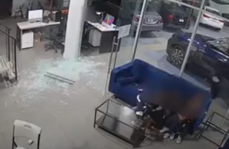 ZASTRAŠUJUĆE ISKUSTVO Otac ranjen dok je tijelom štitio djecu tokom pucnjave (VIDEO)