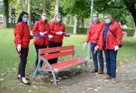 VOLONTERSKI RAD Obnovljeno 39 klupa u dvorištu Univerziteta Banjaluka