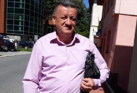 """""""DODIK JE ZA MENE SVETAC, ALI POBIJEDIĆU GRUJIČIĆA"""" Čiji je igrač nezavisni kandidat za načelnika Srebrenice"""
