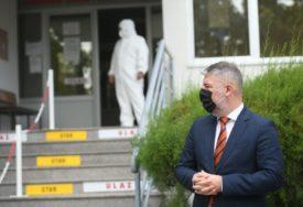 POLITIČARI U ŠKOLAMA ZA VRIJEME EPIDEMIJE Šta ministar Šeranić kaže na takvo ponašanje