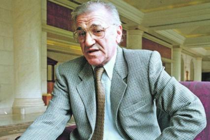 Pet godina od smrti Bate Živojinovića: Posljednji pomen u Aleji velikana, stigao i sin Miljko
