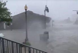URAGAN SALI NAPRAVIO KOLAPS U AMERICI Za četiri sata palo više kiše nego za ČETIRI MJESECA (VIDEO)