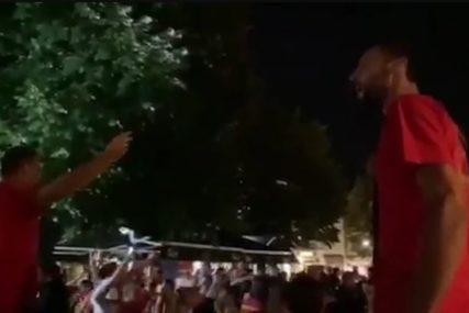 SKANDAL U CRNOJ GORI Na Cetinju se orile Tompsonove USTAŠKE PJESME (VIDEO)