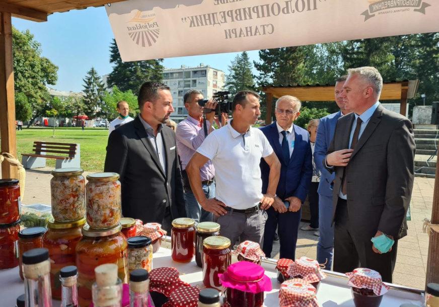 PODRŠKA DOMAĆIM PROIZVOĐAČIMA Ministar i gradonačelnik otvorili poljoprivredni sajam u Doboju (FOTO)