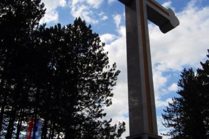 SJEĆANJE NA RATNE RANE Runić: Za Drvarčane 13. septembar jedan od NAJTUŽNIJIH DANA