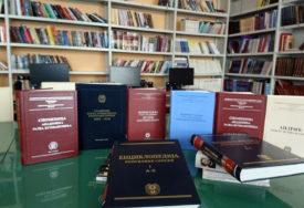 NAJDRAŽI POKLONI Knjižni fond biblioteke u Gackom bogatiji za 1.000 naslova
