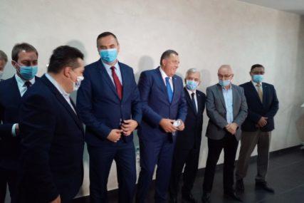 """""""PRIJEDOR JE VIDIO KAKO IZGLEDA DRUGA STRANA"""" Kandidata SNSD za gradonačelnika podržava SEDAM STRANAKA"""