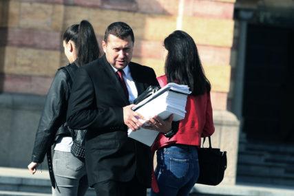 SKUPŠTINA NASTAVILA RAD Produžen mandat sekretaru  gradskog parlamenta