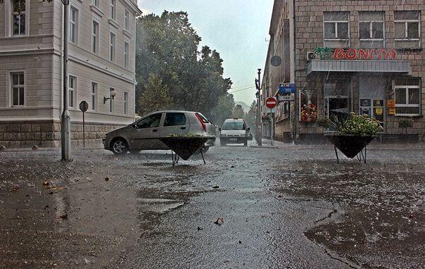 ENORMNE PADAVINE NA SJEVERU HERCEGOVINE U Gacku palo rekordnih 145 litara kiše