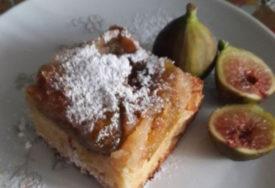 MEKAN, UKUSAN I TAKO JEDNOSTAVAN Prevrnuti kolač sa smokvama idealna poslastica