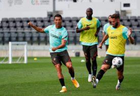 POČEO DA TRENIRA Ronaldo putuje sa Švedskom u Portugal