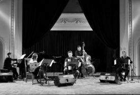 """PUBLIKA UŽIVALA U KOMPOZICIJAMA PIJACOLE Koncert ansambla """"Libertango nuovo"""" održan u Banskom dvoru"""