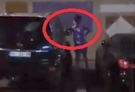 KAD PJEVAČICA BUŠI GUME Na meti LJUTE LJUPKE automobili pukovnika policije (VIDEO)