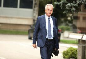 """""""VRATIĆE SE PRIJE NEGO ŠTO JE DOŠAO"""" Šarović o posjeti Košarca Hrvatskoj"""