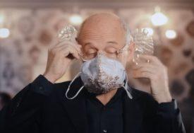 BORBA PROTIV KORONE Dirigent napravio zaštitne maske koje poboljšavaju akustiku (VIDEO)