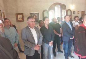 """""""NAROD KOJI PAMTI PROŠLOST, IMA BUDUĆNOST"""" Ivanić prisustvovao službi u Jasenovcu"""