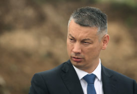 """""""NEMA SRBINA KOJI DANAS NE ŽALI"""" Nešić o smrti mitropolita Amfilohija"""