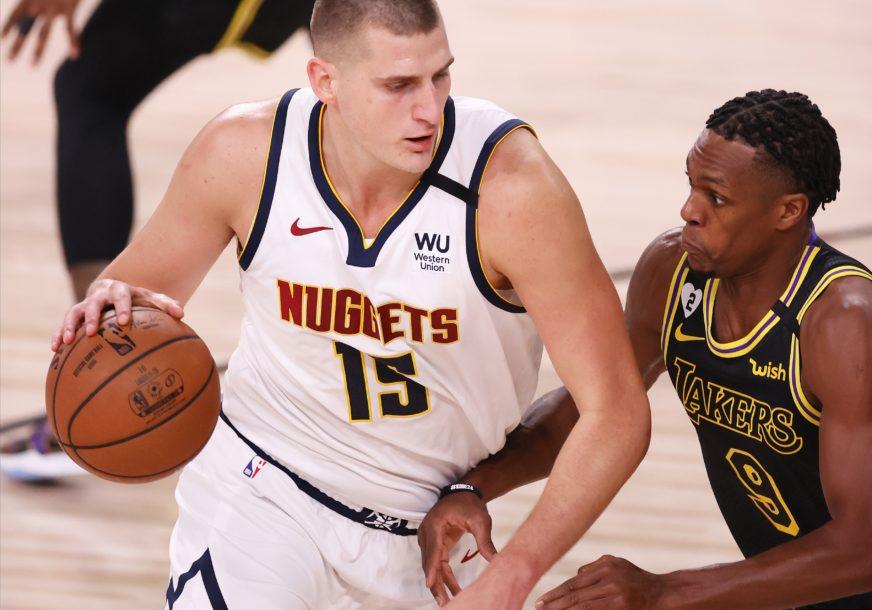 """MARŠ KUĆI!"" Dvajt Hauard provocira košarkaše Denvera"